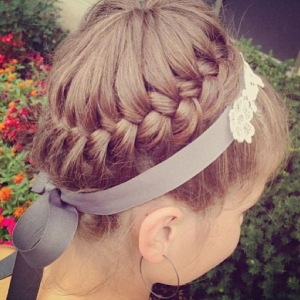 28-Cute-Hairstyles-for-Little-Girls-13