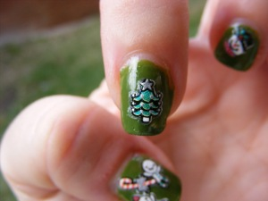 green sticker Xmas nails 005